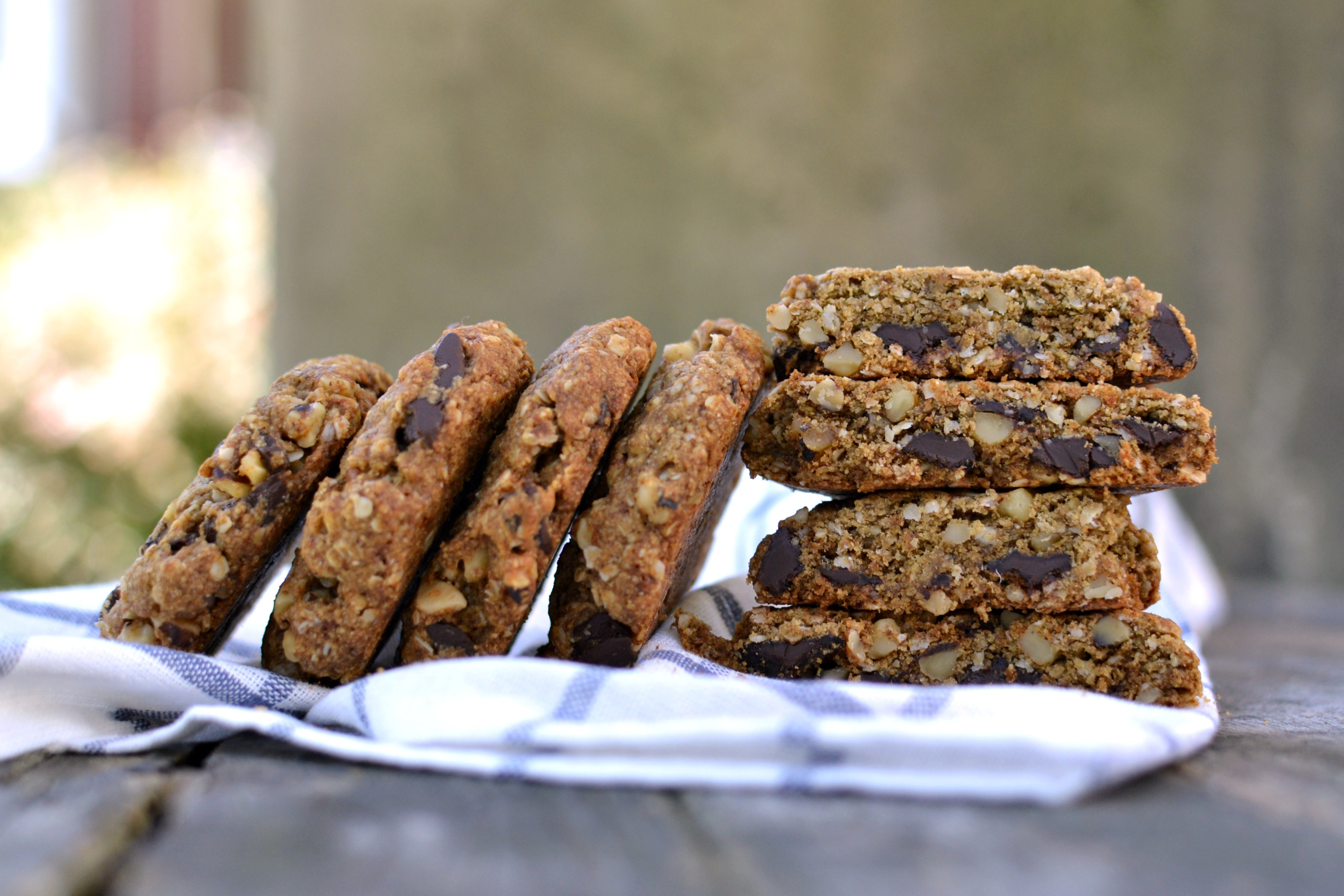 Vegan Walnut Chocolate Chunk Oatmeal Cookies 2