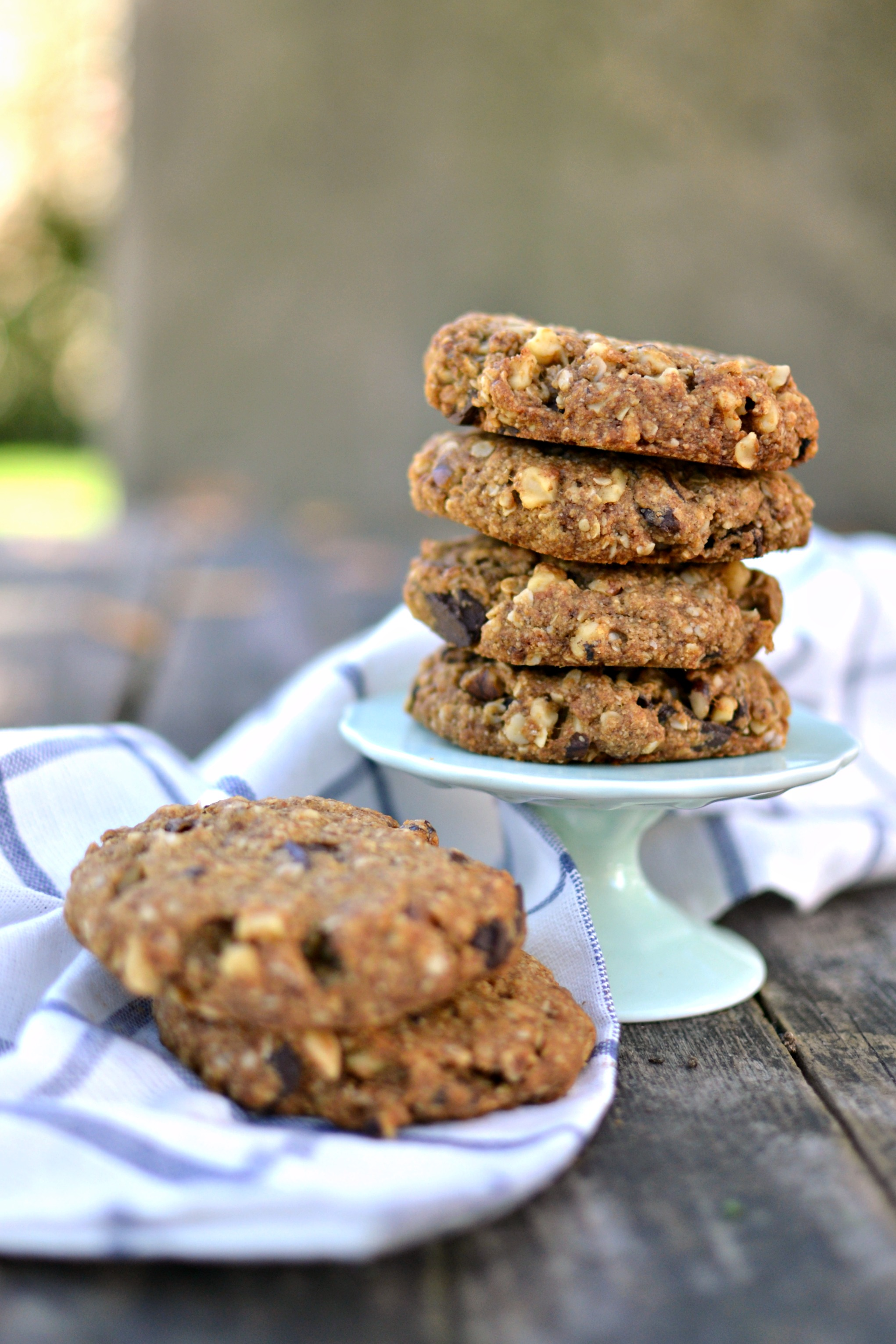 Vegan Walnut Chocolate Chunk Oatmeal Cookies 4